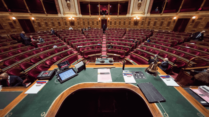 France : le consentement sexuel des mineurs fixés à 13 ans par le Senat