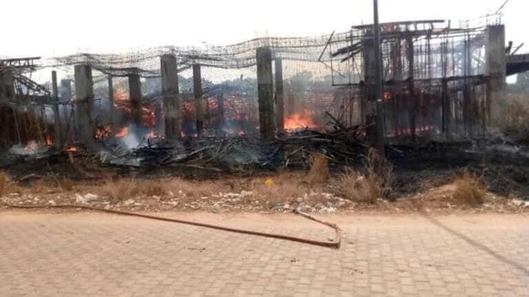 Université Assane Seck de Ziguinchor : des chantiers brûlés (photos)