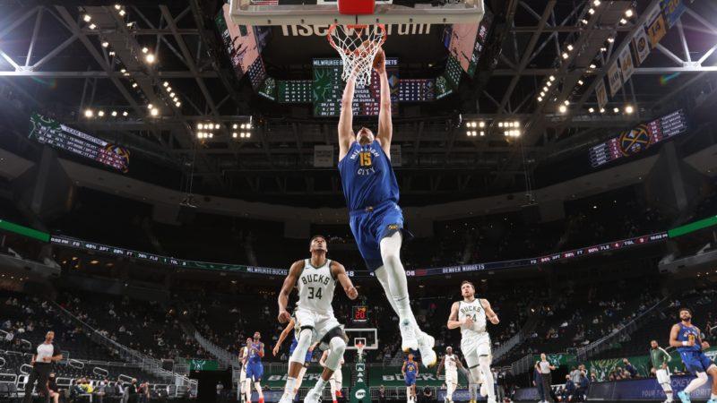 Les Suns battent les Lakers et pointent à la 2e place, Jokic en Mode MVP et les autres matchs de la soirée